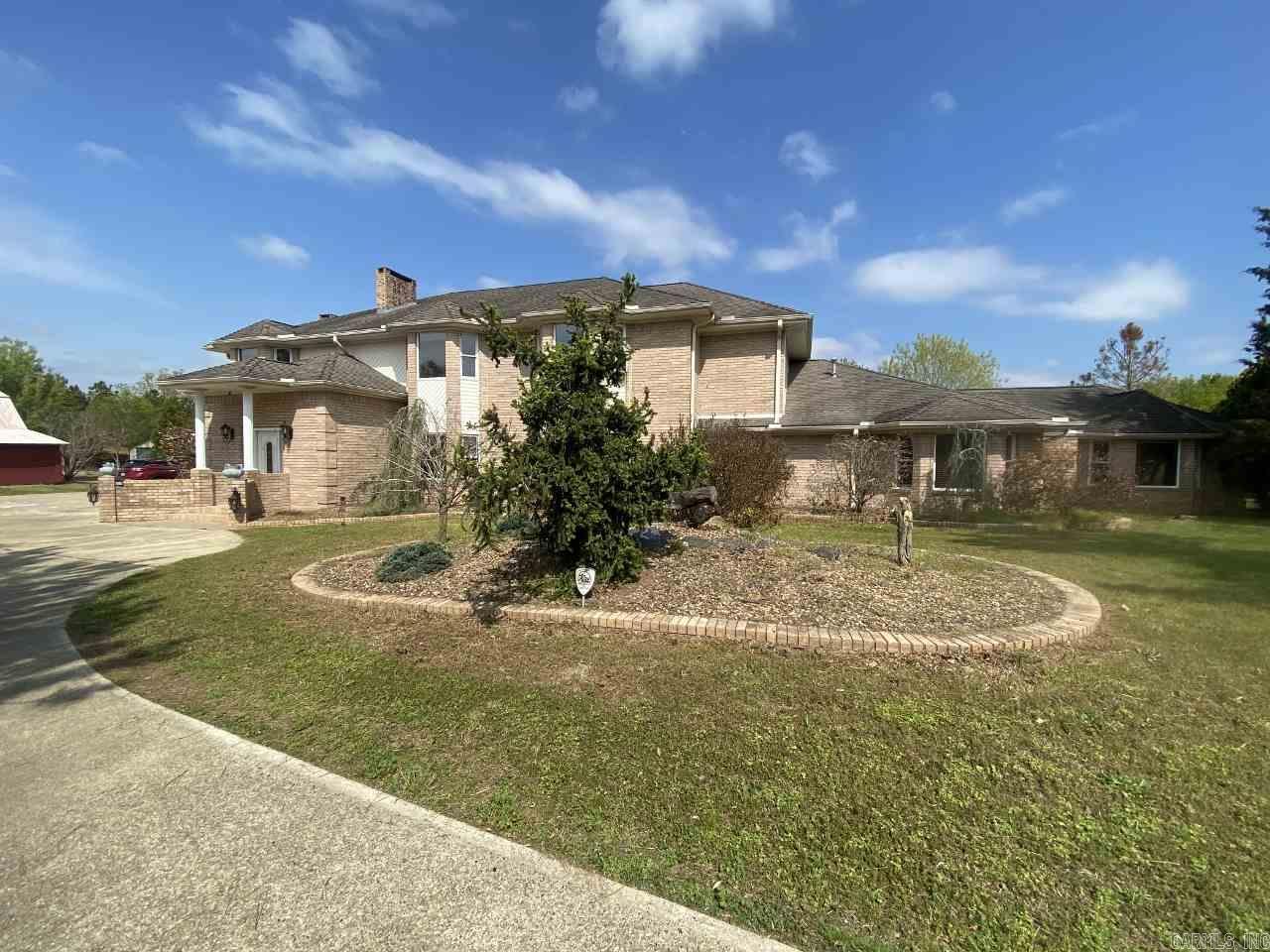 Residential for sale – 375  Polk Road 61   Mena, AR